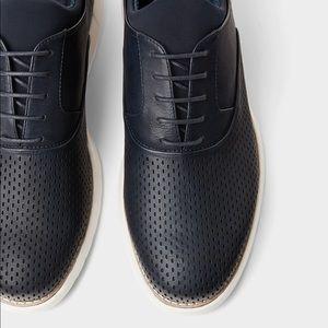 Zara navy blue sporty shoes w/ lightweight soles